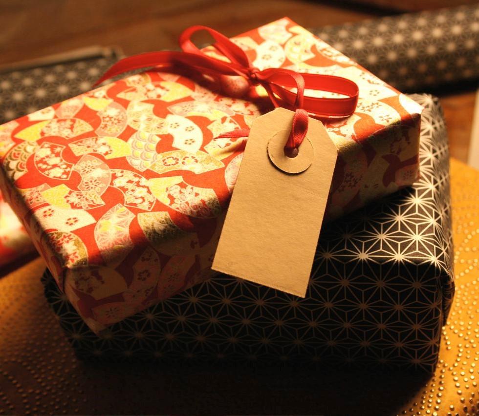 Что выбрать в подарок мужчине на 60 лет